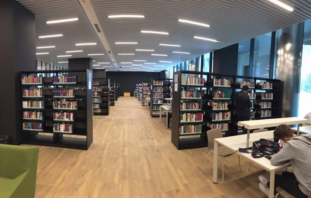Çamlıca Cami Kütüphane